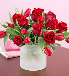 Red roses and tulips delivery to 8th of March (Women day) - Res roses and red tulips > Send bouquet of roses and tulips in Ukraine