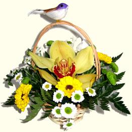 Доставить корзину цветов в Киеве.