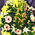 Букет орхидей, гербер, хризантем, лилий